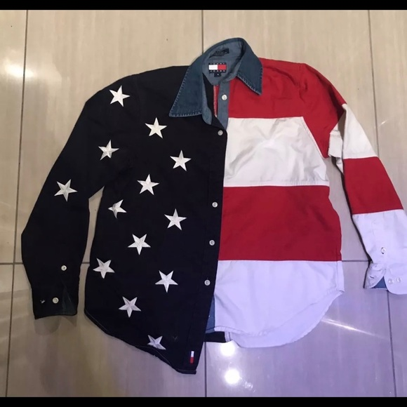 d4c31d68 Women's Tommy Hilfiger American Flag Shirt Size 4.  M_5a7ce4fa077b97c7584b7ca0